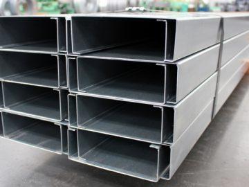 Perfil estructural de acero en C