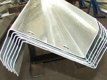 Perfil estructural de acero en Z