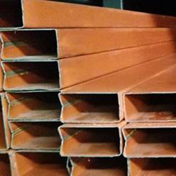 Perfil tubular rectangular pintado