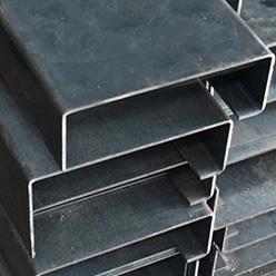 Polín fabricado en acero de alta resistencia