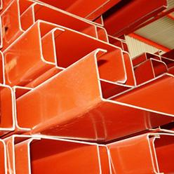 Canal montén de acero capaz de sostener y reforzar estructuras